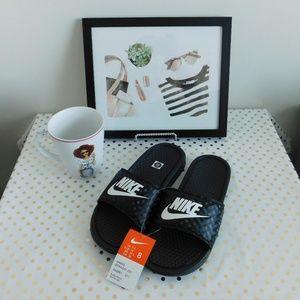NWT 8 Nike Benassi Slides